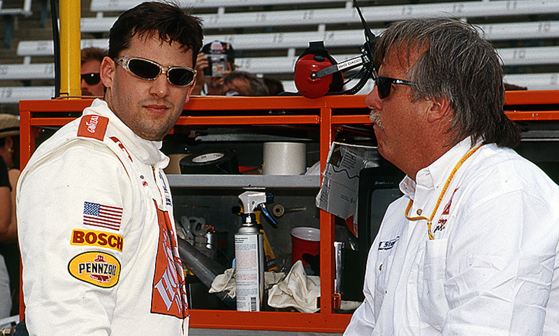 11-17-tony-stewart-larry-curry-1999indy500